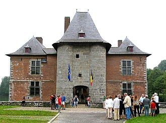 Fernelmont - Castle of Fernelmont, the old keep (13th century) from which the municipality takes its name.