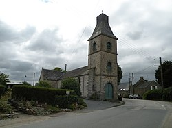 Noyalo - clocher église.jpg