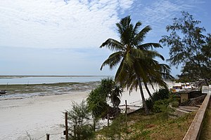 Nyali Beach towards the south from the Reef Hotel during low tide in Mombasa, Kenya 2.jpg