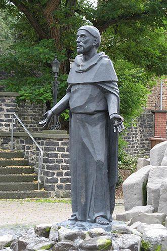 Beselich - Memorial to Gottfried von Beselich before the church in Obertiefenbach