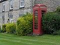Old red telephone box at Nunnington - geograph.org.uk - 21734.jpg