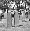 Overzicht grafstenen van walvisvaarder Cornelis Meyndertsz en vrouw - Hollum - 20345675 - RCE.jpg
