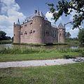 Overzicht van het kasteel, gezien vanuit het zuidoosten - Ammerzoden - 20423934 - RCE.jpg