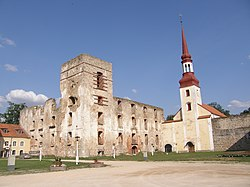Põltsamaa castle and church