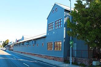 Pacific Coast Railway Company Grain Warehouse - Image: Pacific Coast Railway Company Grain Warehouse 1