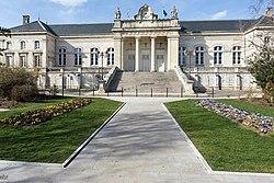 Palais de Justice d'Auxerre (2014).jpg