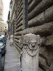 Palazzo_borghese_06.JPG