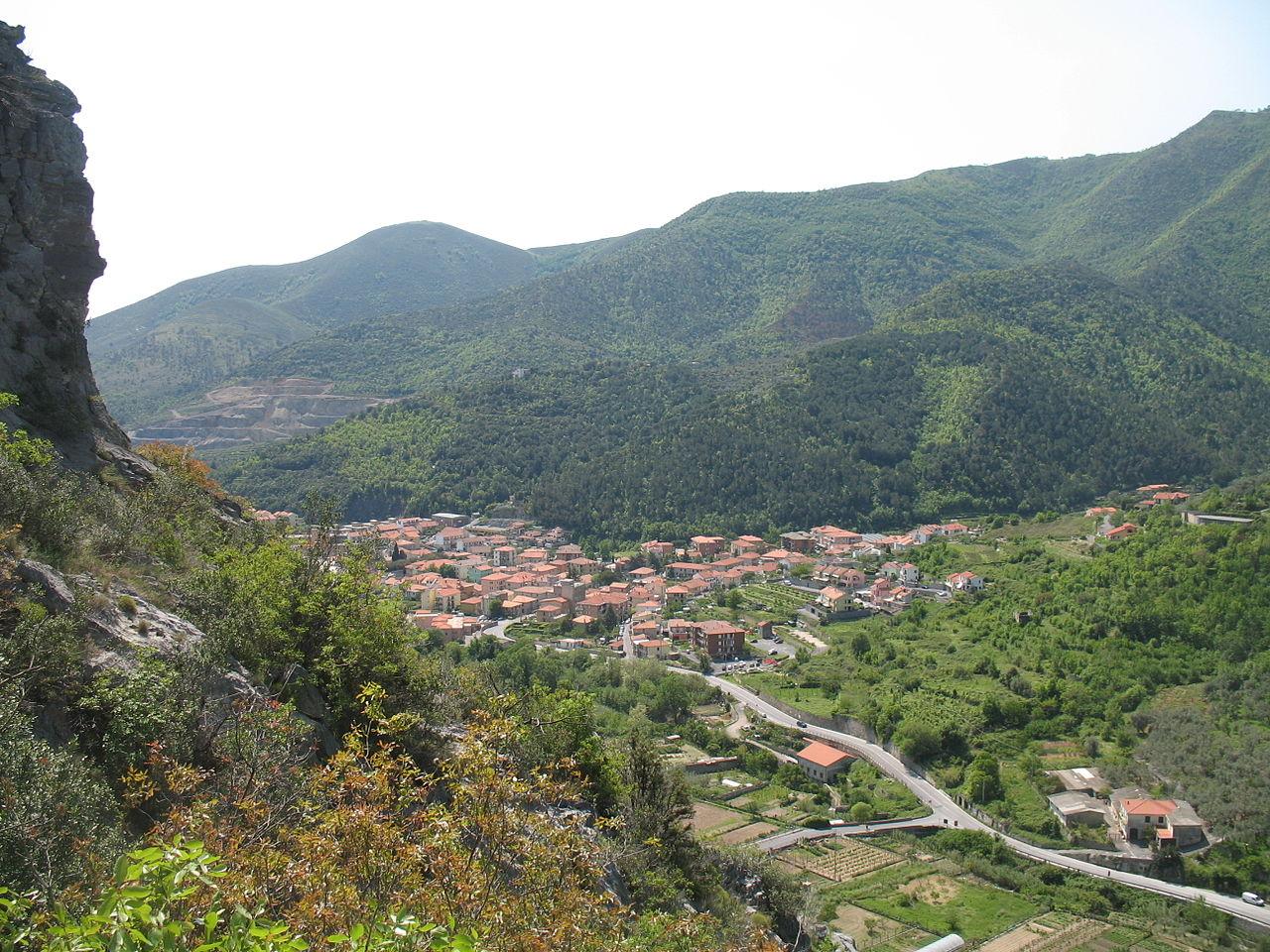 Immagine: Panorama di Toirano.