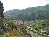 Panorama di Toirano dalle grotte.JPG