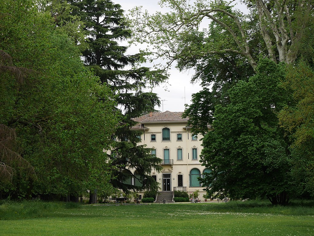 Parco di Villa Magnani.jpg