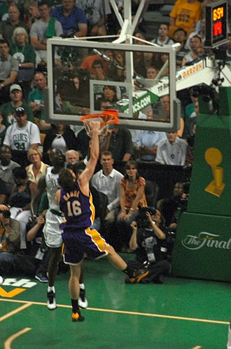 2007–08 Los Angeles Lakers season - Dunk by Gasol in Game 2 of the NBA Finals
