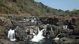 Perunthenaruvi Falls - Image: Perunthenaruvi Pathanamthitta (11)
