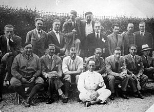 Achille Varzi - Alfa Romeo team drivers, Achille Varzi (3rd sitting from left)