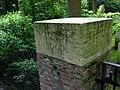 Ploegsteert Wood CWGC cemetery entrance stone 1005787607.jpg