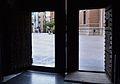 Port de la porta de l'Almoina des de l'interior, catedral de València.JPG