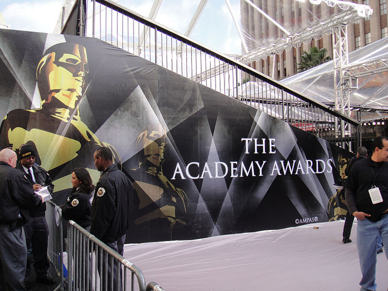 File:Preparing for the 83rd Annual Academy Awards - the main entrance bleachers (5474924755).jpg
