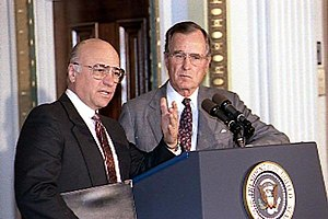 Clayton Yeutter - President Bush and Yeutter at a briefing of the National Association of Agricultural Journalists, in 1990.