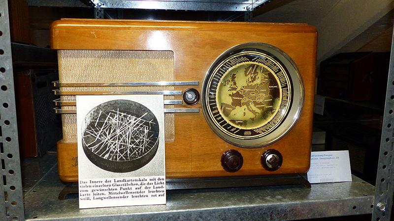 File:Radio-Depot der Technischen Sammlungen Dresden 32.JPG
