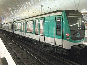 MF 01 - Image: Rame MF2000 en stationnement
