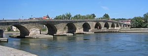 Stone Bridge (Regensburg) - The bridge seen from the south bank of the Danube
