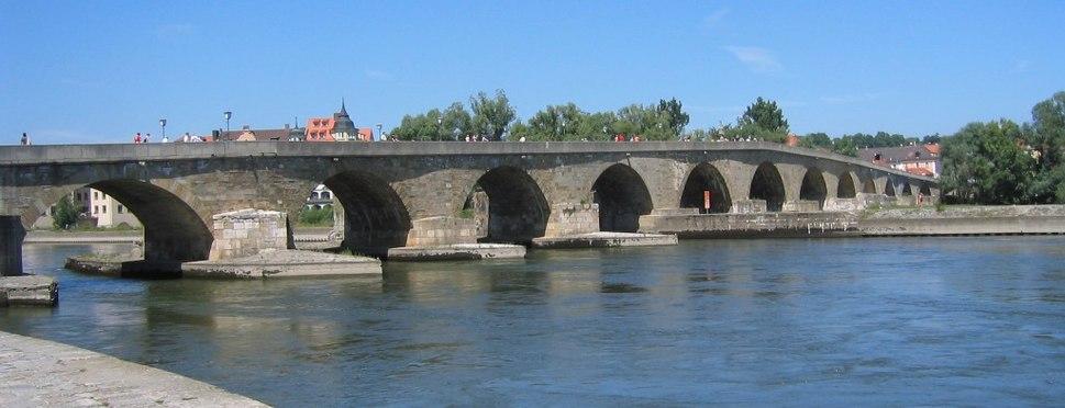Regensburg - Steinerne Bruecke ohne Dom