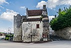 Remains of the Porte Poitevine in Loches 02.jpg