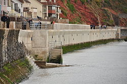 Repaired section of seal wall in Dawlish (7239).jpg