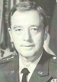 Robert W. Sennewald (US Army General).jpg