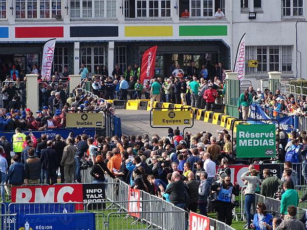 Roubaix - Paris-Roubaix, 12 avril 2015, arrivée (A08).JPG