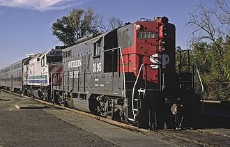 Peninsula Commute - SP 3195 (GP9) running in tandem with CDTX 911 (F40PH), August 1985
