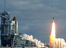 STS31 carries Hubble to orbit edit.jpg