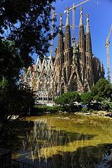 Sagrada Familia in Barcelona.jpg