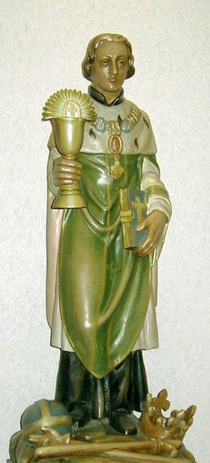 Clodoald - Statue of Saint Clodoald in St. Cloud Hospital