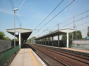 San donato milanese railway station wikipedia for Arredamenti ballabio san donato milanese