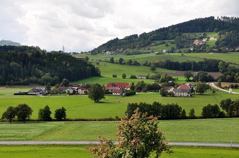 File:Sankt Veit an der Glan Altglandorf und Muraunberg 28092010 32.jpg