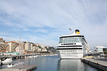 Savona port with Costa Pacifica.jpg