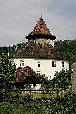 Schloss-Zwingen.jpg