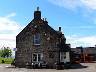 Dalmore distillery - Dalmore Distillery reception house in Alness