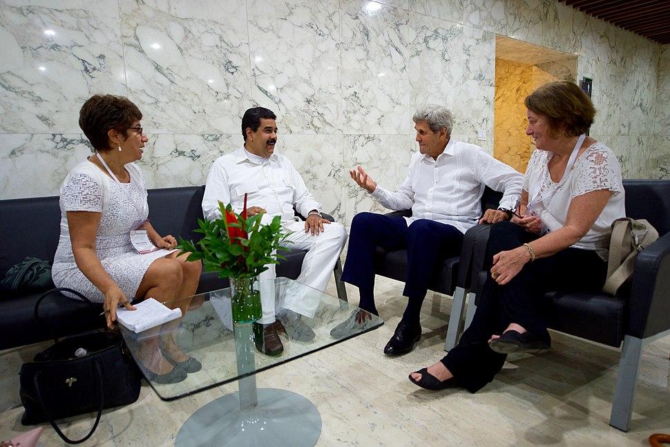 Secretary Kerry Speaks With Venezuelan President Maduro (29663133670)