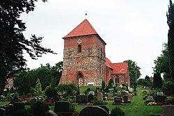 Selent, Kirche St. Servatius und Friedhof.jpg