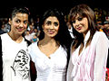 Shriya Saran with Mirinalini Shrama at CCL match, India.jpg