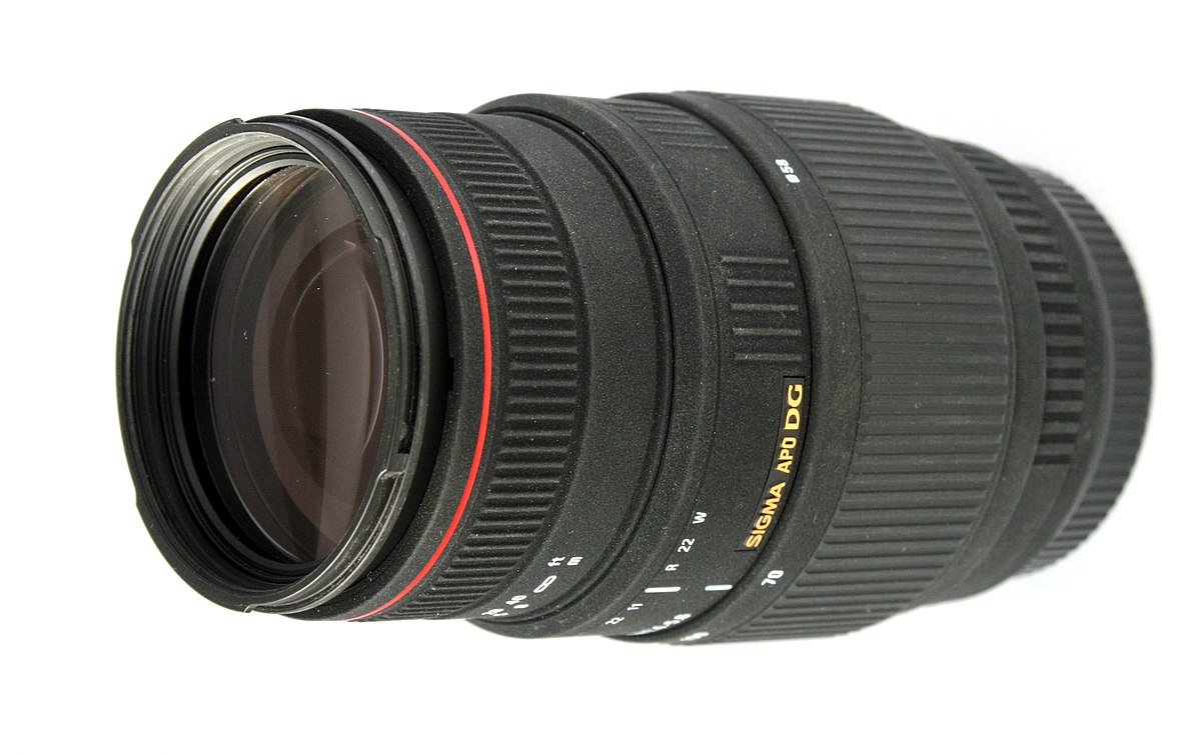 Sigma 70–300mm f/4–5.6 APO DG Macro lens - Wikipedia