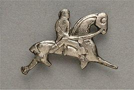 Bijou formé d'un cavalier monté sur une cheval