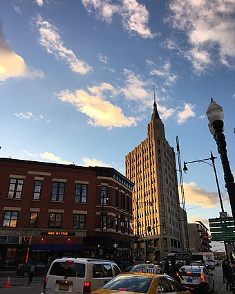 Wicker Park, a neighborhood northwest of downtown, known for its mix of bohemian and upscale styles Six Corners - Wicker Park, Chicago.jpg