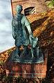 Skulptur Rothenburgstr 14 (Stegl) Frau mit Führhund&H Reinsch&.jpg