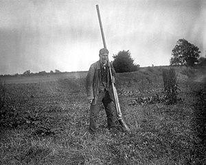 Punt gun - Size comparison of a man and punt gun