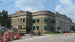 Soldiers and Sailors Memorial Coliseum in Evansville.jpg
