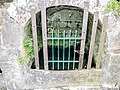 Source de la fontaine-lavoir , rue du château.jpg