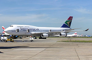 South.african.b747-400.zs-sax.arp.jpg