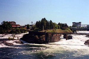 Spokane river as it flows passed Canada Island...